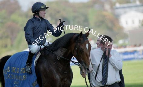 Racehorse Dylan Thomas with Kieren Fallon
